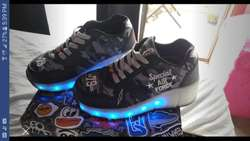 Zapatillas Con Luces Led Rueditas talle 32 Footy