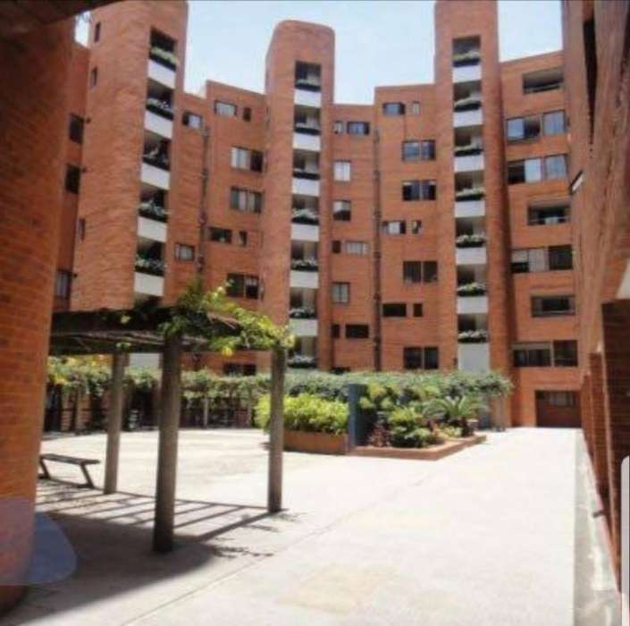 Apartamento En Venta En Cali La Arboleda Cod. VBSBI11736