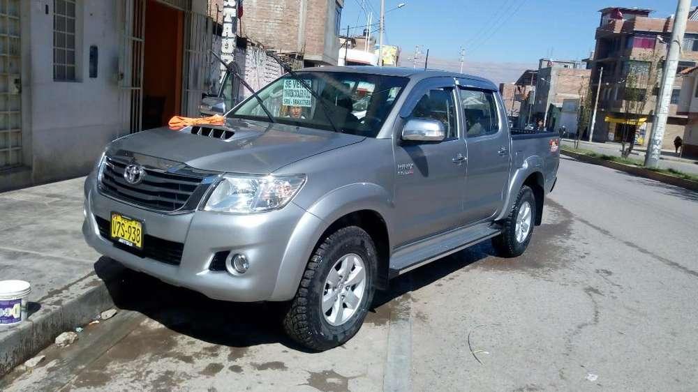 Toyota Hilux 2015 - 61232 km