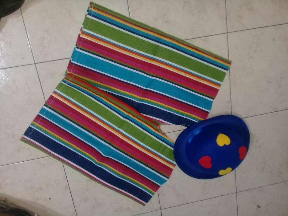 Poncho Rayado con Sombrero Aplique