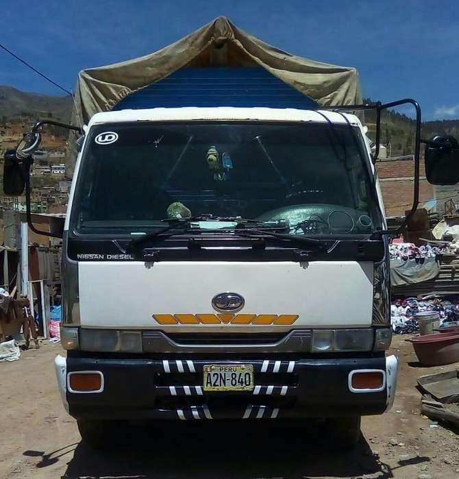 OFERTA Camión nissan condor doble eje año 1997