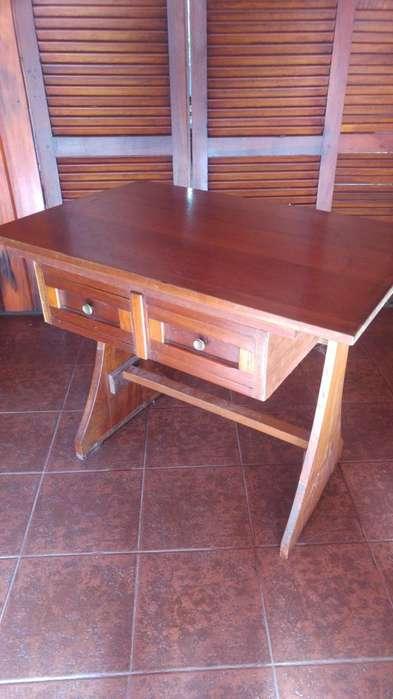 Mesa/escritorio con 2 cajones