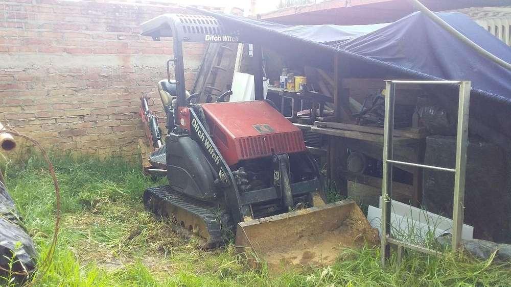 Mini Excavadora Operable,