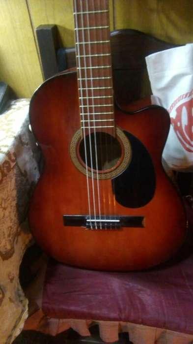 Guitarra Criolla Electroacústica