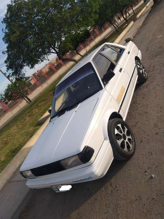 Nissan Sunny  1990 - 180000 km