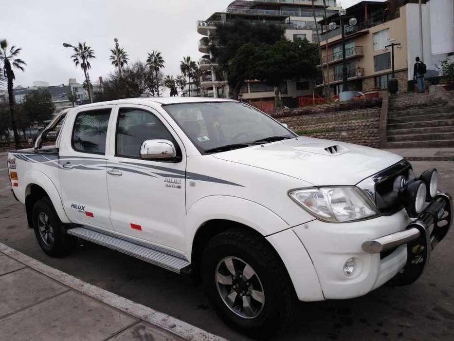 Toyota Hilux 2011 - 98000 km
