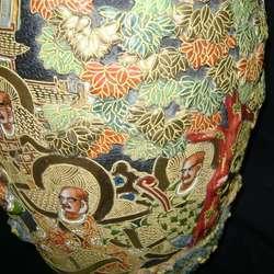 Gran Jarrón chino Satsuma Diosa Kannon y séquito en relieve / Maxim Nord