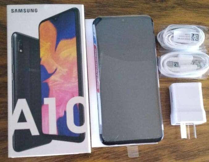 Samsung A10 - 32gb - Libre/nuevo con garantia.