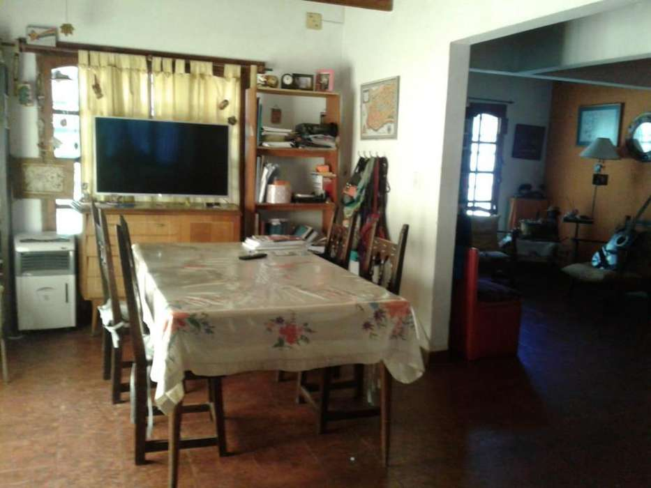 <strong>chalet</strong> de 4 ambientes Caisamar