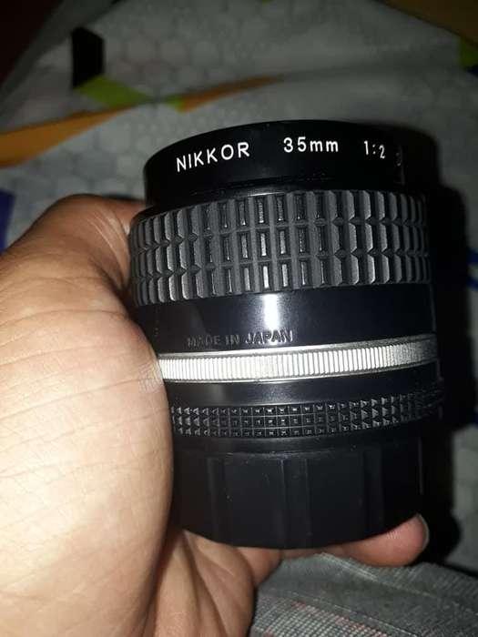 Se vende o se cambia Lente Nikon 35mm