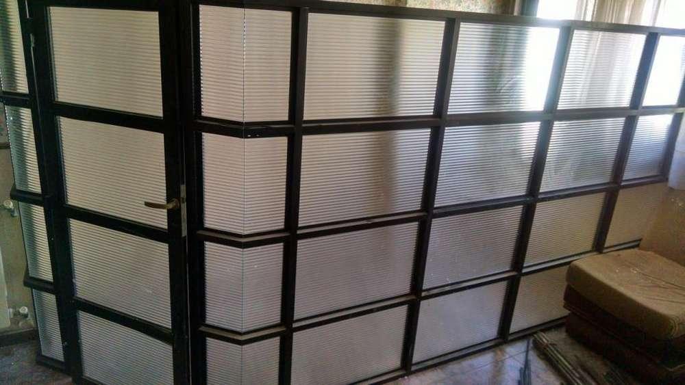 Remato Separador divisor <strong>aluminio</strong> para oficina local o escritorio