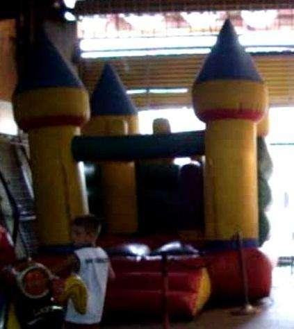 castillo inflable de 3x 3 con turbina