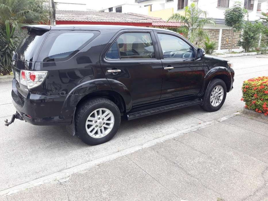 Toyota Fortuner 2013 - 108000 km