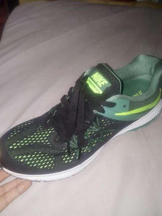 Zapatillas Nike Zoom Winflo 3 (Usadas)