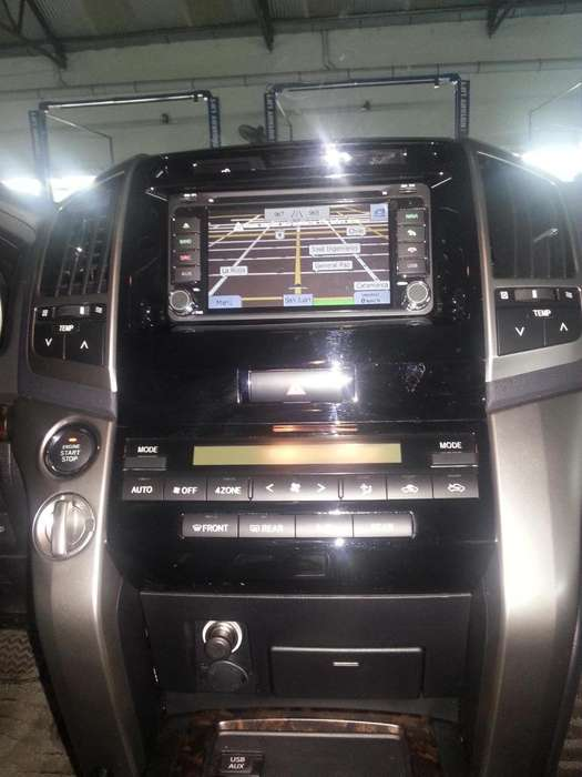TOYOTA LAND CRUISER ESTEREO CENTRAL MULTIMEDIA STEREO CON ANDROID, GPS, BLUETOOTH