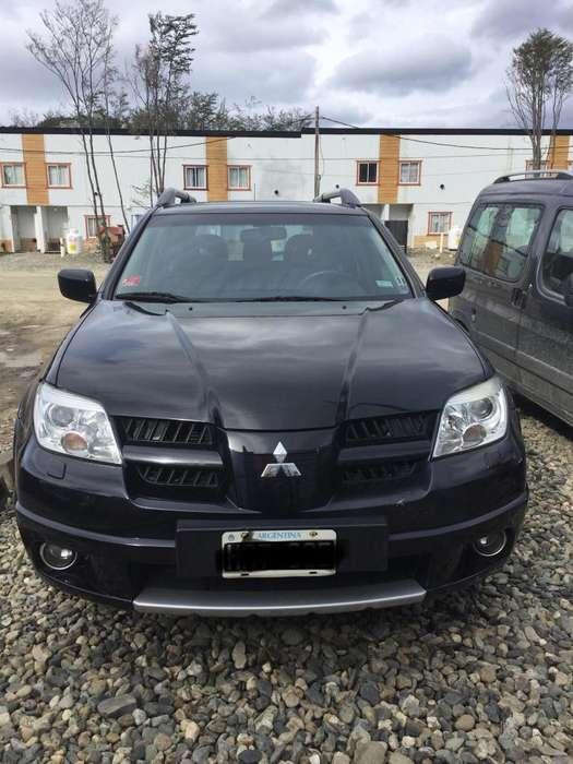 Mitsubishi Outlander 2008 - 100000 km