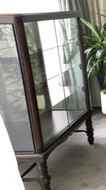 Vitrina vintage madera y vidrio. usada perfecto estado.