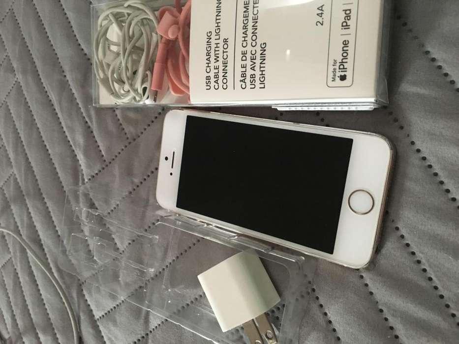 Vendo iPhone 5S 16GB con cargador original y auriculares 380000