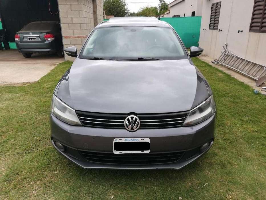 Volkswagen Vento 2011 - 174000 km