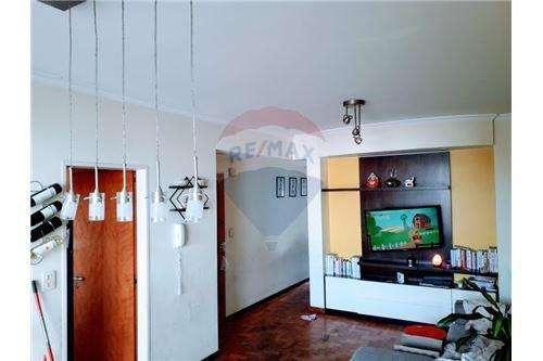 Departamento de 2 dormitorios y cochera. La Plata