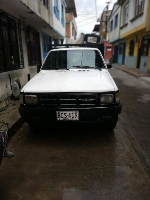 Vendo Camioneta Mazda B 2200 Modelo 93