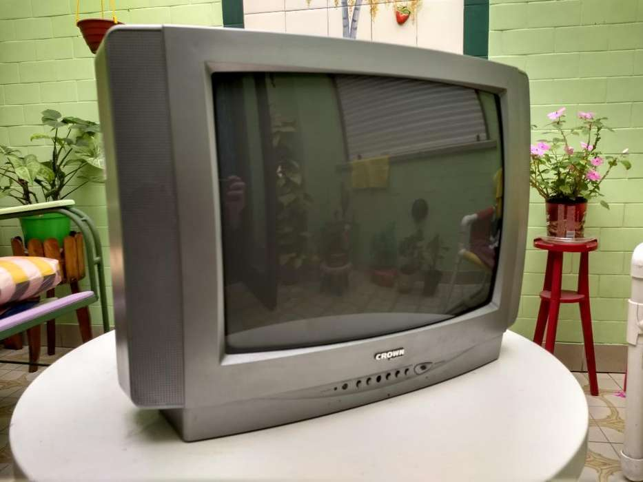 Televisor de Tubo Crown Mustang 20