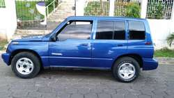 Geo Tracker 93 4x4 doble pion  4 silindros 100