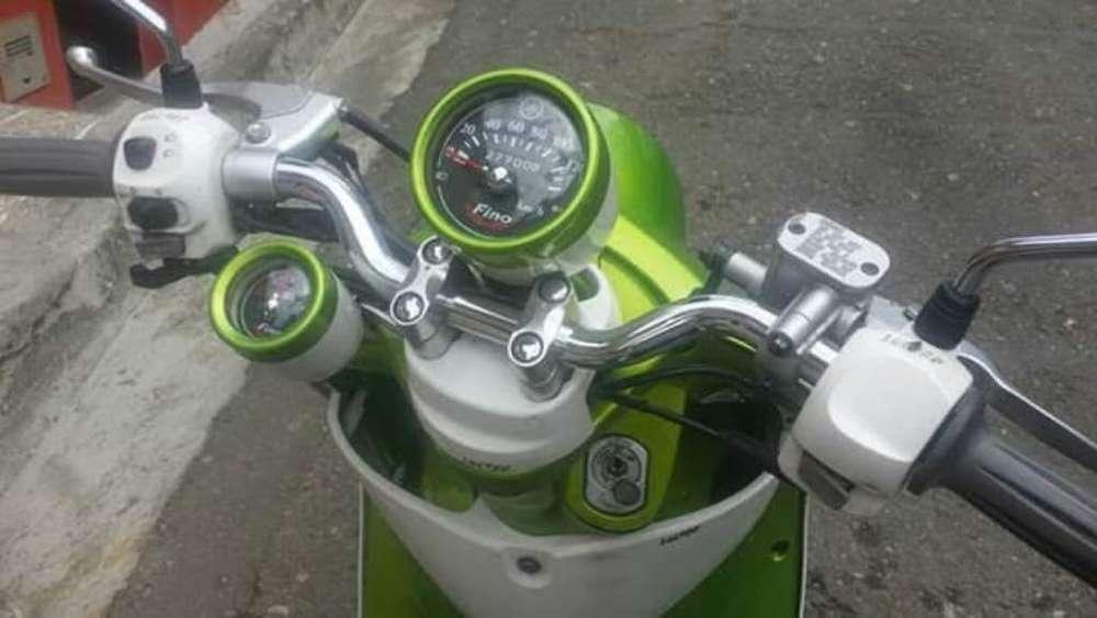 Moto Yamaha Fino