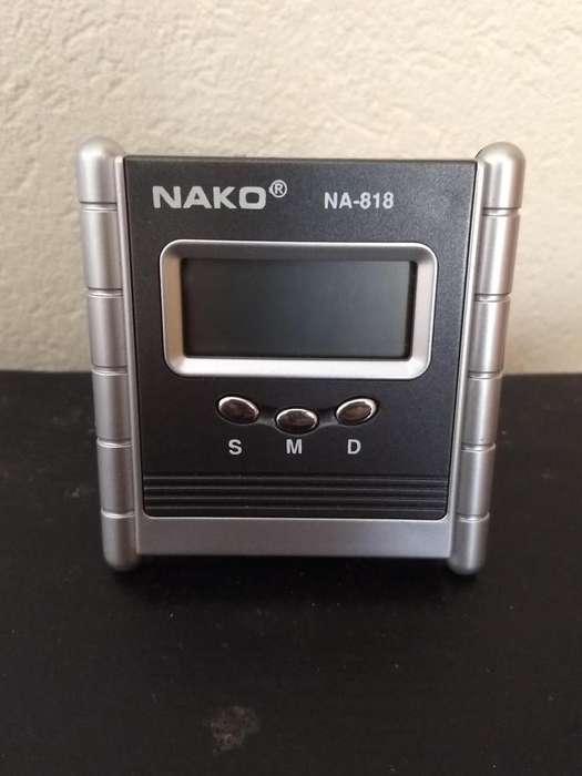 Reloj calendario Nako