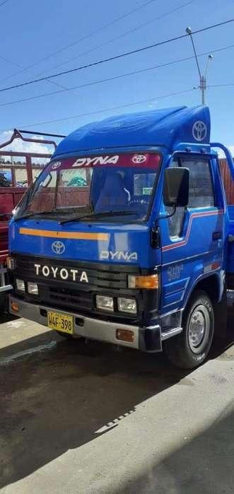 Vendo Toyota Dyna 200 Del 89