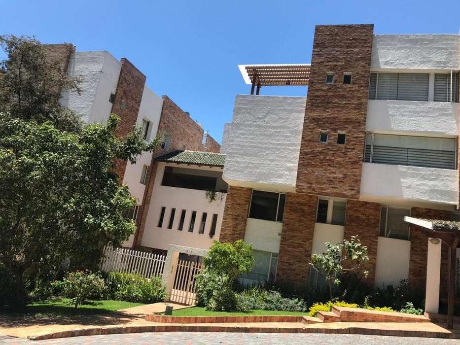 MONTESERRIN -Vendo o Rento Departamento Duplex 3 Dormitorios Monteserrín