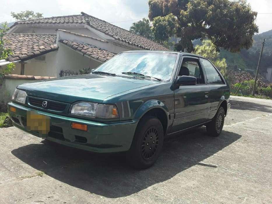 Mazda 323 1998 - 1800000 km