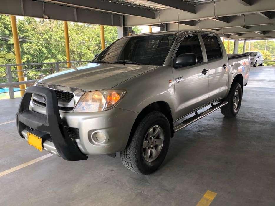 Toyota Hilux 2010 - 268000 km