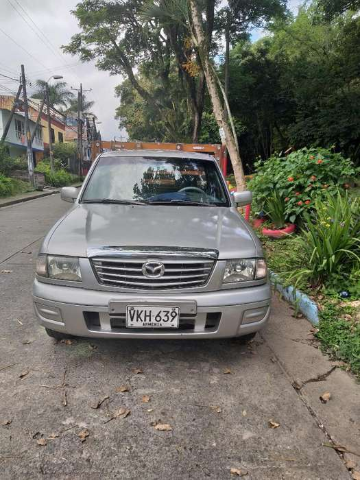 Vendpermuto Camioneta Mazda B2200
