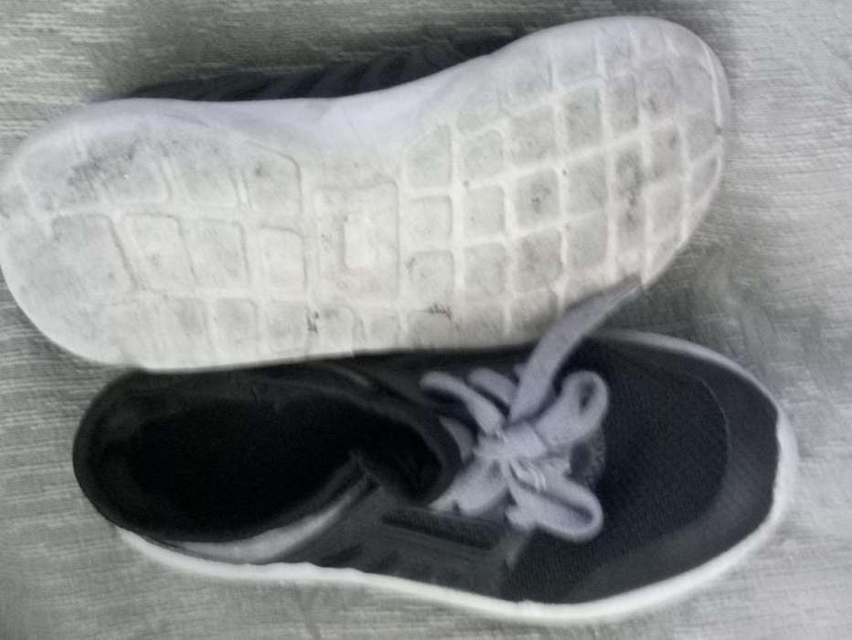 Zapatillas cancheras importadas para niño Talle 29