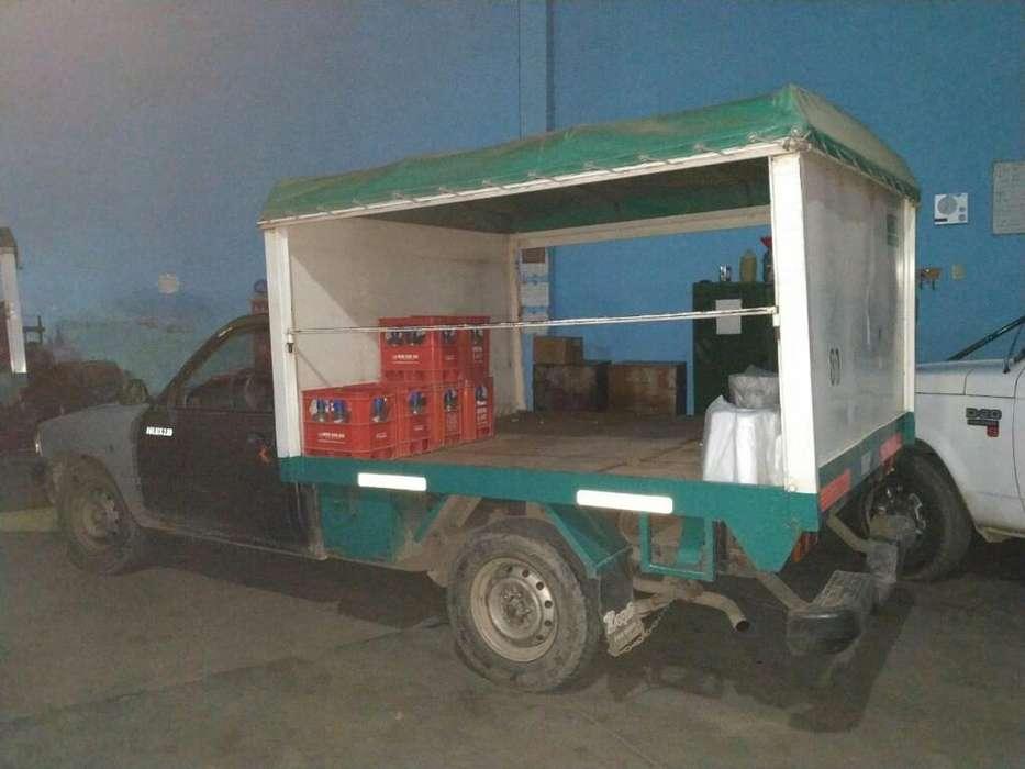 Vendo Camioneta Toyota con Caja Sodera