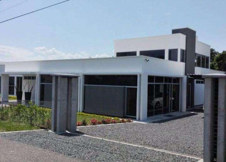 Moderna Casa Campestre en Cerritos
