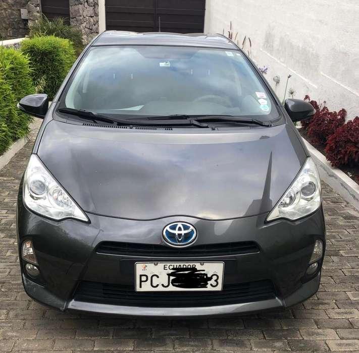 Toyota Prius 2014 - 80000 km
