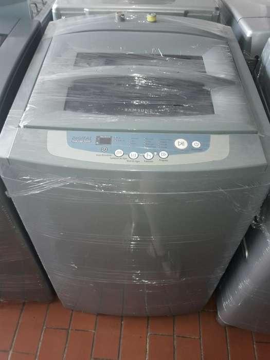 Vendo Lavadora Samsung de 24 Libras