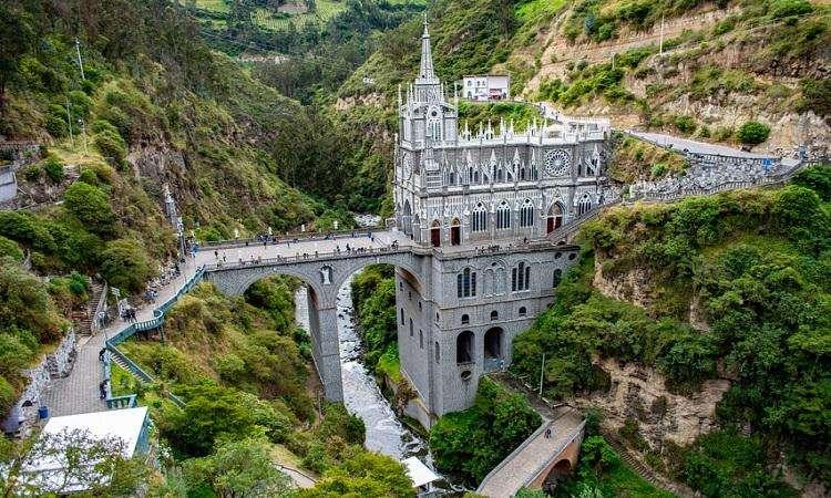 Viaja a Nariño / Conoce la iglesia de las Lajas