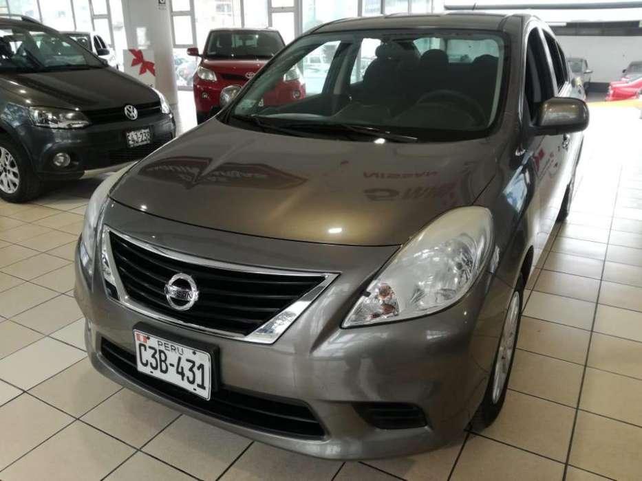 Nissan Versa 2011 - 73200 km