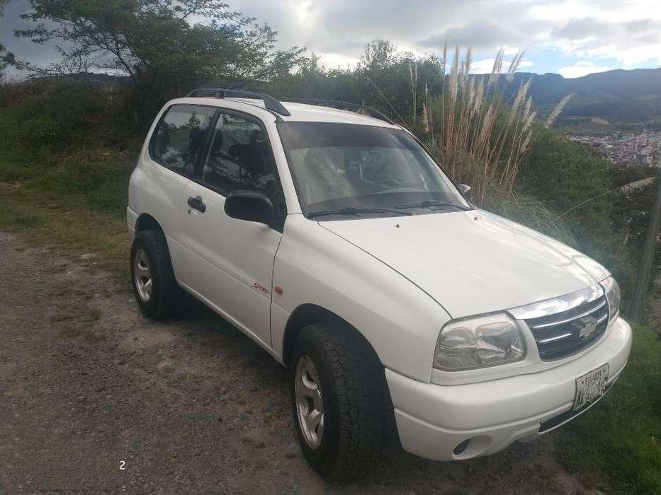 Chevrolet Grand Vitara 2001 - 272000 km