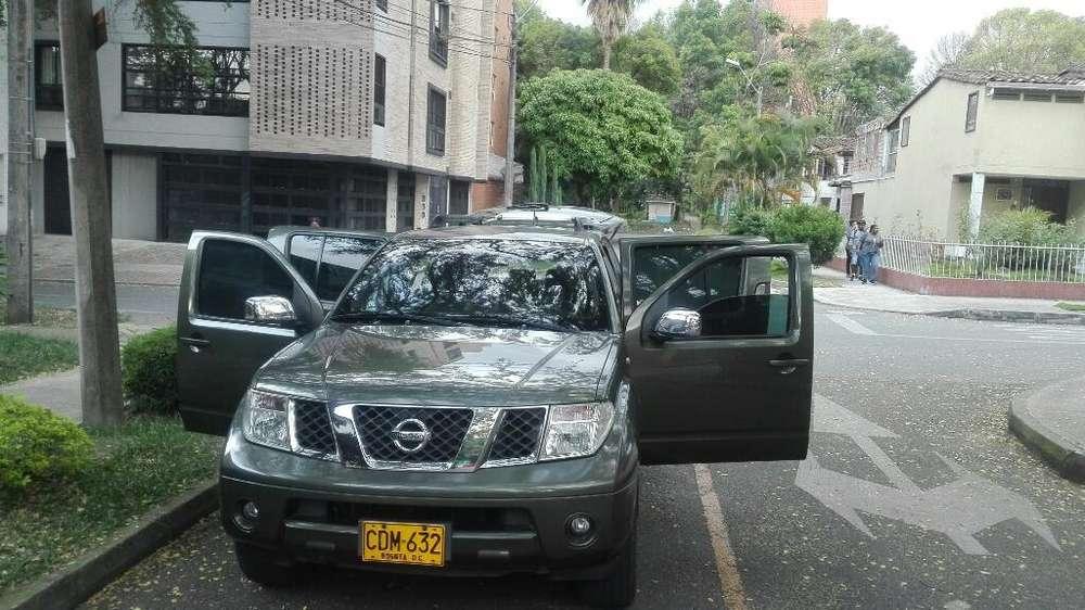 Nissan Pathfinder 2006 - 180000 km