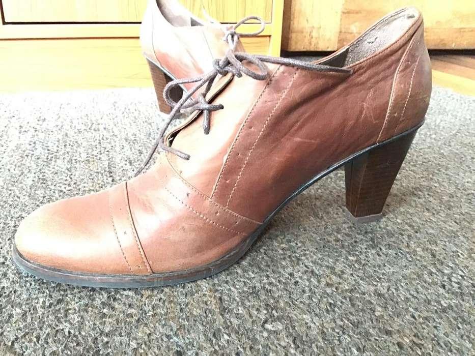 Zapatos de Cuero con Tacon
