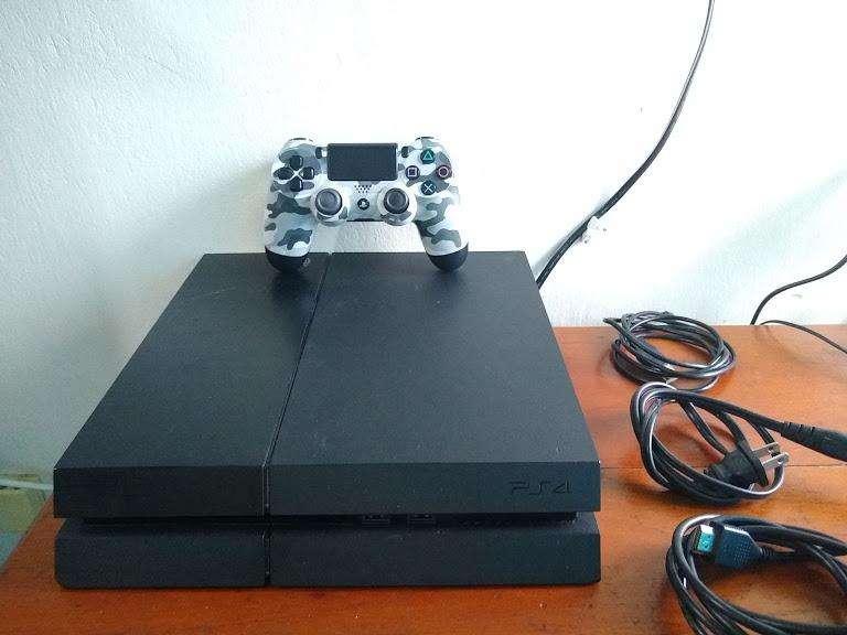PS4 FAT 500 GB - USADO