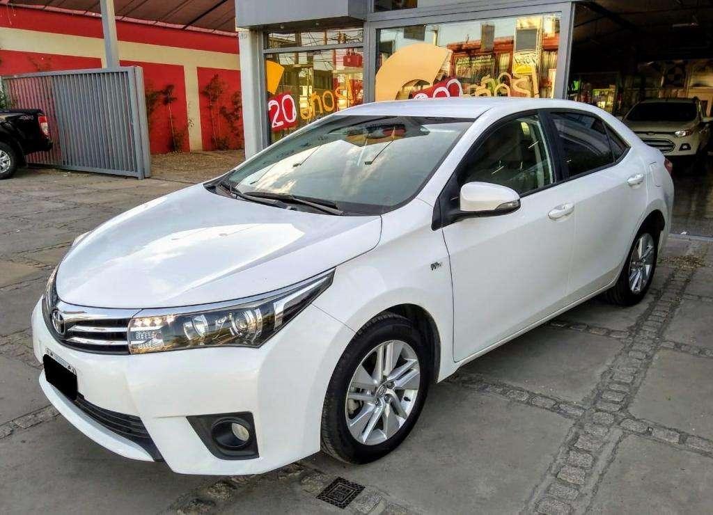 Toyota Corolla 1,8 XEI Manual L/14 Año 2014