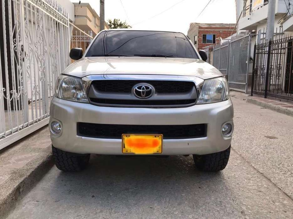 <strong>toyota</strong> Hilux 2011 - 100800 km