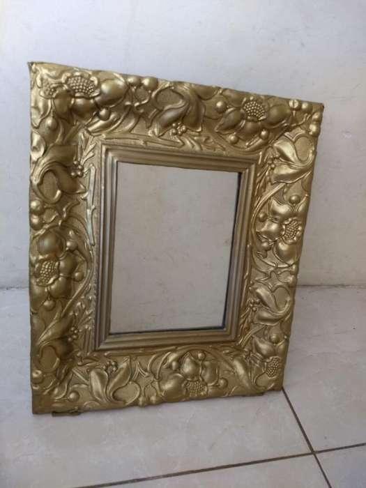 Espejo con Marco Tipo Porta Retrato