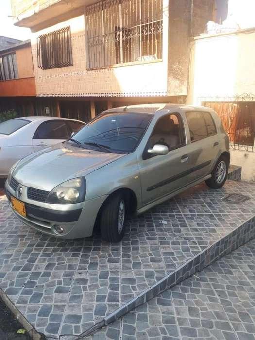 Renault Clio  2005 - 150000 km