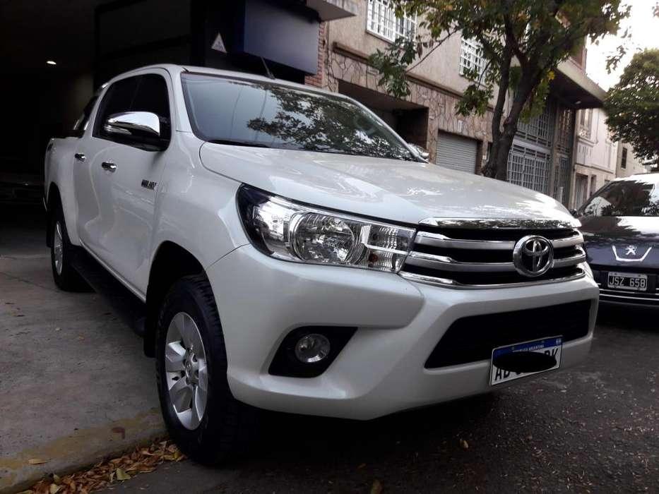 Toyota Hilux 2017 - 40000 km